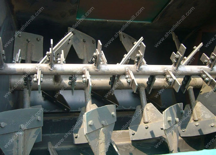 paddle of feed mixer